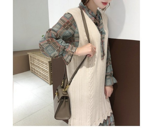 漂亮小媽咪 韓國洋裝 【D1110】 格紋 長袖 連身洋裝 孕婦裝 雪紡 孕婦洋裝 領口 蝴蝶結 連身裙