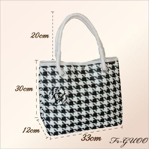 《家購網寢俱館》/法果輕時尚系列 – FRB506 編織菱格包(黑色)