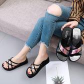 拖鞋女外穿 新款 韓版透明交叉輻射厚底涼拖鞋 一字中跟 沙灘鞋 熱銷88折