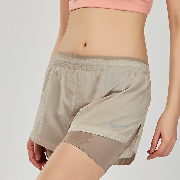 "Nike Elevate 2-in-1 3"" 女子 排汗 慢跑 運動短褲 AQ0424-215"