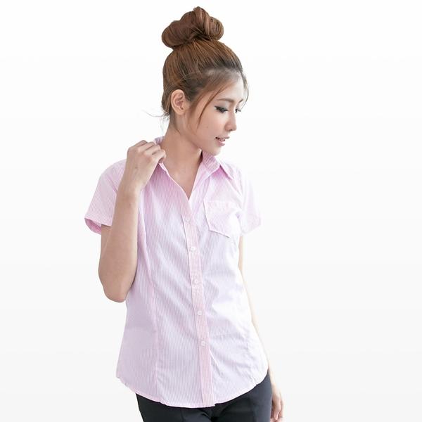 襯衫--OL的首選單邊口袋設計條紋修身短袖襯衫(黑.粉M-2L)-H132眼圈熊中大尺碼★