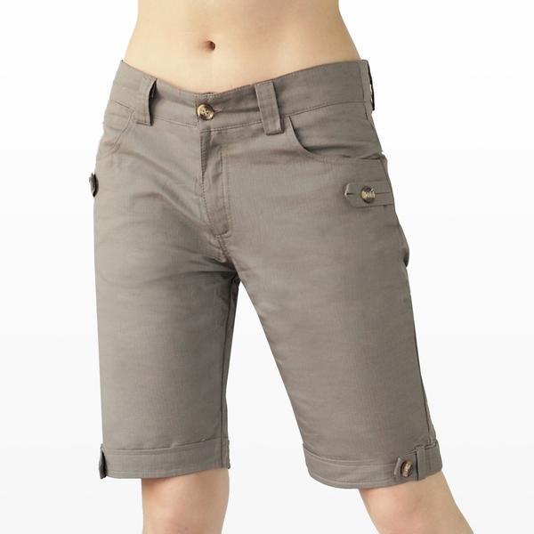 短褲--夏日活潑休閒素面木釦休閒棉麻五分短褲(黑.綠M-6L)-R30眼圈熊中大尺碼