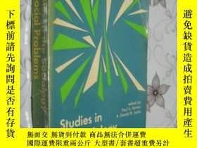 二手書博民逛書店Studies罕見in the sociology of soc