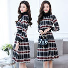 VK精品服飾 韓國風復古格紋高領系帶收腰長袖洋裝