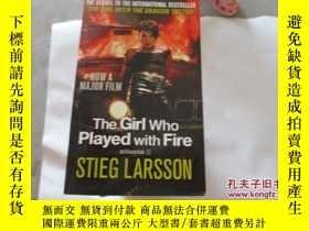 二手書博民逛書店THE罕見GIRL WHO PLAYED WITH FIRE【7