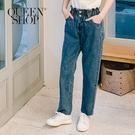Queen Shop【04011337】休閒花苞造型高腰牛仔褲 兩色售 S/M/L*現+預*