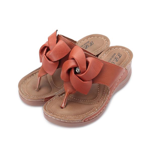 T.P.C.G 揉花小鑽夾腳楔形拖鞋 棕 53221 女鞋 鞋全家福