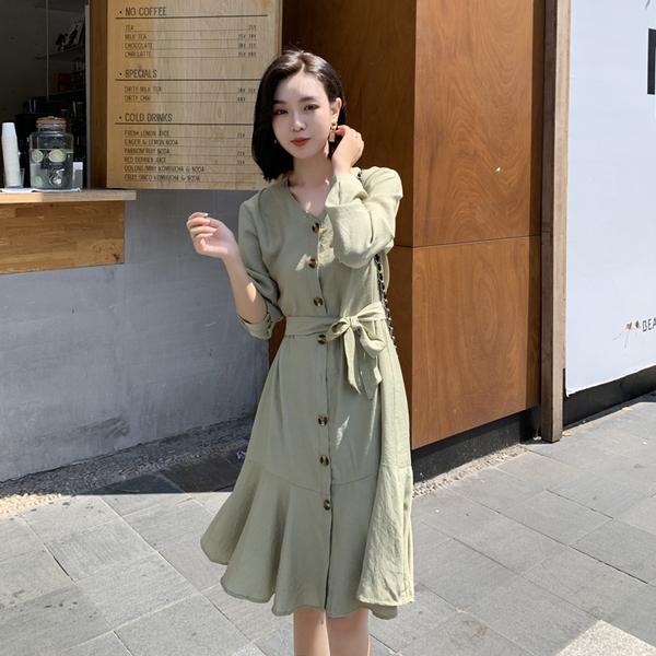 超殺出清 韓系魚尾裙V領綠色單排扣荷葉邊長袖洋裝