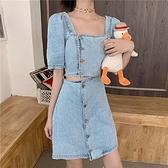 牛仔洋裝 露腰牛仔裙女夏季法式少女復古方領心機設計感小眾泡泡短袖連身裙