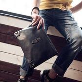 韓版男士時尚手包朋克潮男包女信封手拿包手抓包A4文件 差包 降價兩天