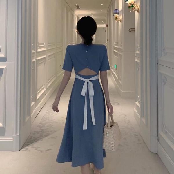 法式復古小心機收腰洋裝女春夏新款赫本風黑色露背方領長裙 三角衣櫃