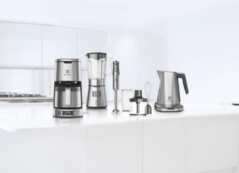 伊萊克斯設計家系列溫控電茶壺EEK7804S