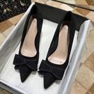 高跟鞋女黑色工作尖頭單鞋細跟設計感小眾中跟網美【慢客生活】