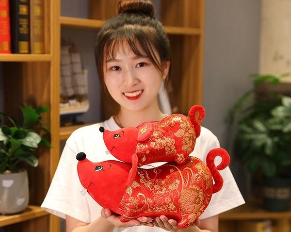 【20公分】招財納福鼠娃娃 生肖鼠玩偶 新年快樂吉祥物公仔 聖誕節交換禮物 鼠年行大運