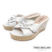 Tino Bellini 巴西進口雙層紐結皮雕楔型涼拖鞋 _ 白 A83056 歐洲進口款