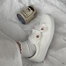 小白鞋帆布鞋草莓可愛日系魔術貼板鞋女【愛物及屋】