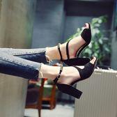 涼鞋粗跟羅馬鞋 中跟一字扣帶包跟水鑽魚嘴鞋【多多鞋包店】z7991