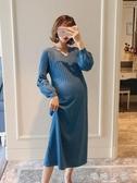 孕婦秋裝長款V領泡泡袖洋裝 彈力寬鬆針織毛衣裙時尚大碼孕婦裝 嬌糖小屋