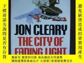 二手書博民逛書店The罕見City of Fading LightY146810