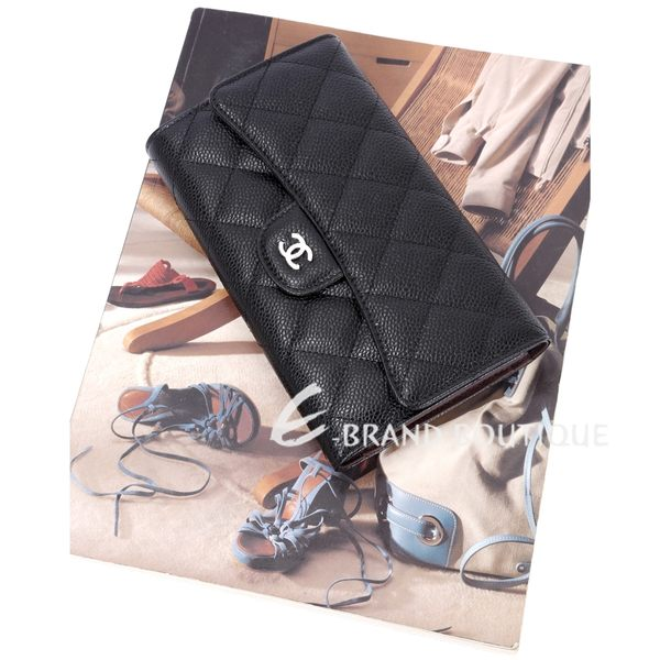 CHANEL 經典菱格壓紋牛皮三摺釦式長夾(黑色) 1540766-01