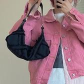 帆布毛毛腋下包女2021春夏韓版新款潮寬肩帶小眾設計包側背斜背包 伊蘿