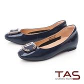 TAS金屬C字釦飾牛漆皮內增高娃娃鞋-沉穩藍