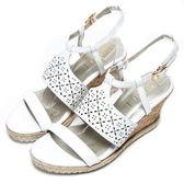 DIANA 時尚美型—寬幅雕花繫踝楔型涼鞋-白★特價商品恕不能換貨★