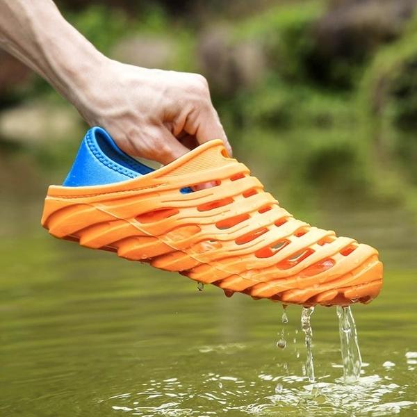 洞洞鞋 溯溪鞋男透氣沙灘鞋防滑大碼洞洞鞋速干戶外鞋鳥巢拖鞋貼膚漏水鞋 叮噹百貨
