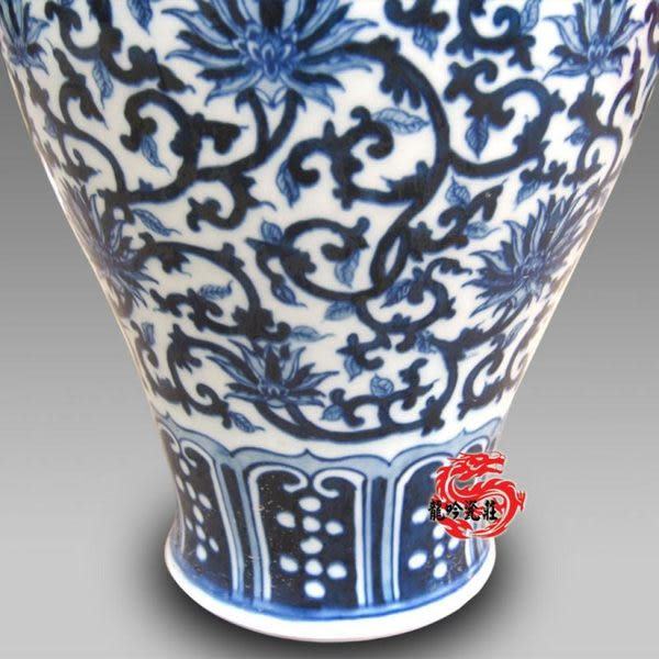 手繪青花瓷明清 中號梅瓶高30CM