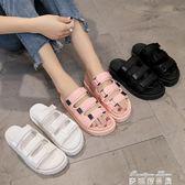 韓版魔術貼拖鞋女夏時尚外穿百搭鬆糕厚底一字沙灘涼拖鞋    麥琪精品屋