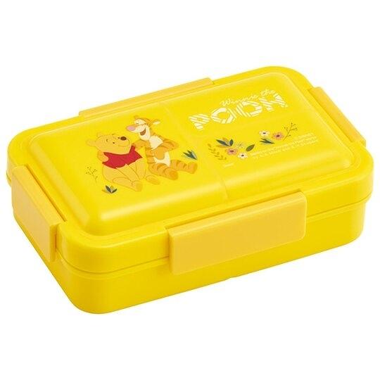 小禮堂 迪士尼 小熊維尼 方形微波便當盒 抗菌四扣便當盒 保鮮盒 550ml Ag+ (黃) 4973307-51889