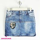 【SHOWCASE】刺繡盾牌亮片織標銀釦牛仔窄裙褲裙(藍)
