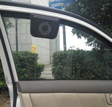 汽車排氣扇 黑色太陽能汽車排風扇排氣扇遮陽擋換氣扇散熱器降溫器車腮排煙器 叮噹百貨