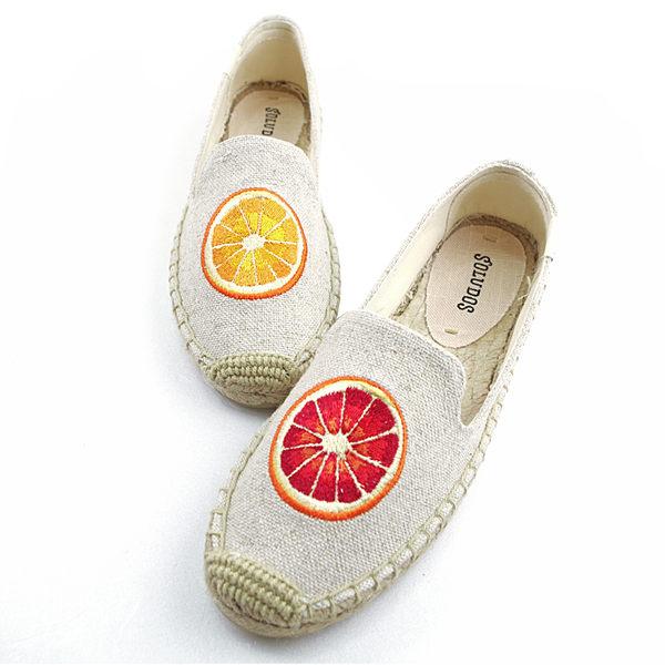 美國正品 Soludos 仲夏刺繡款不對稱橘子草編懶人鞋-米色【現貨在台】
