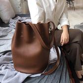 新款復古手提水桶包百搭單肩包斜背女包包