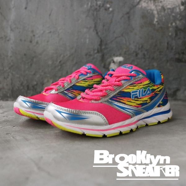 FILA 桃紅 藍黃 網布 透氣 休閒鞋 慢跑鞋 女 (布魯克林)  5J088Q675A