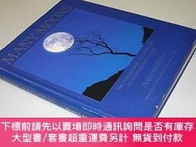 二手書博民逛書店Many罕見Moons: Myth and Magic, Fact and Fantasy of Our Near