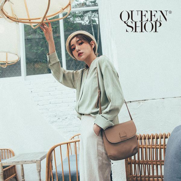 Queen Shop【01051434】V領造型直條紋雪紡上衣 兩色售*現+預*