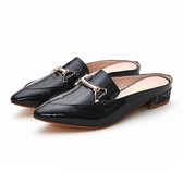 MICHELLE PARK 時尚印象 尖頭亮面漆皮馬銜扣穆勒鞋-黑