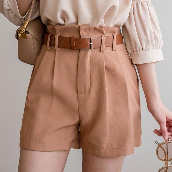 現貨-MIUSTAR 大腿顯瘦!雙壓褶附皮帶鬆緊腰A字短褲(共4色,S-L)【NJ0234】