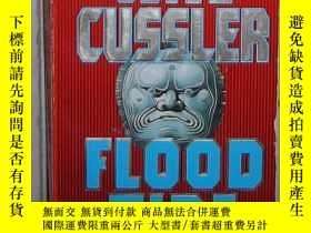 二手書博民逛書店英文原版罕見Flood Tide by Clive Cussle