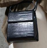 小眾包新款韓國東大門鱷魚紋小方包斜背包手提復古側背包  【熱賣新品】
