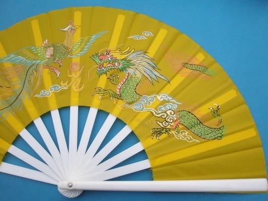 台灣製 大功夫扇子 尼龍布扇子 印彩圖(大塑膠白桿)/一支入(定90) 布面多色-萬益