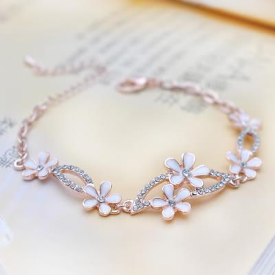 Star 日韓系列 --韓版甜美純白花朵款手鏈 -C45