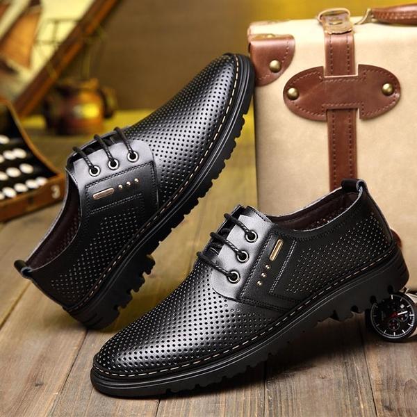 男士皮鞋男鏤空天男鞋商務休閒鞋爸爸鞋透氣鞋子男    蘑菇街小屋