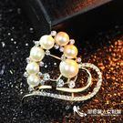 人造珍珠 水鉆愛心款胸針女 簡約百搭胸花別針【尾牙交換禮物】