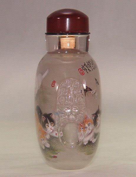 居家開運典藏水晶內畫-鼻煙壺【富貴貓圖 】( 精工內畫、薄胎、瑪瑙蓋、刻耳)