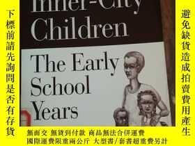 二手書博民逛書店Mothering罕見Inner-City Children: