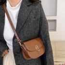熱賣斜背包 高級質感洋氣小包包女2021秋冬新款簡約側背斜背包時尚百搭馬鞍包 coco