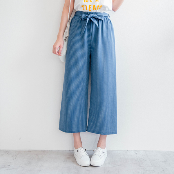MIUSTAR 附綁帶腰鬆緊壓紋直線條寬褲(共2色)【NH0610GW】預購